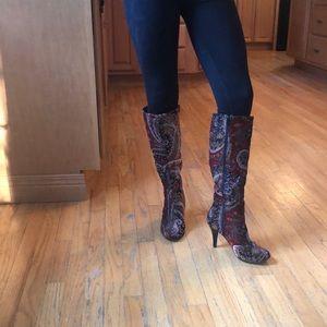 Beautiful Christmas knee heigh boots side 7.5
